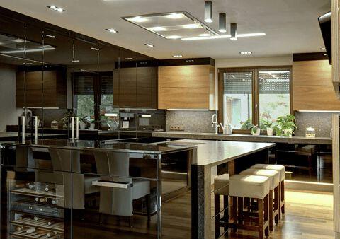 Luxusní kuchyně s designovým minerálem Onyx