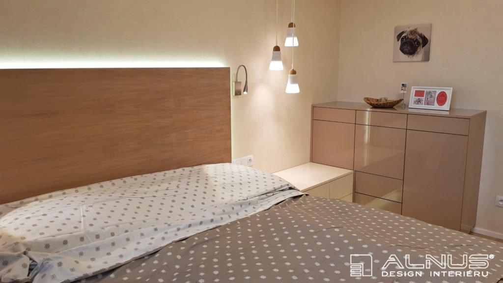 design komody v ložnici interiéru bytu v praze