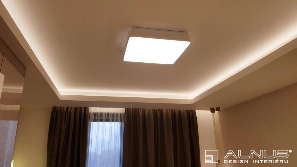 nasvícení stropu v interiéru bytu v praze