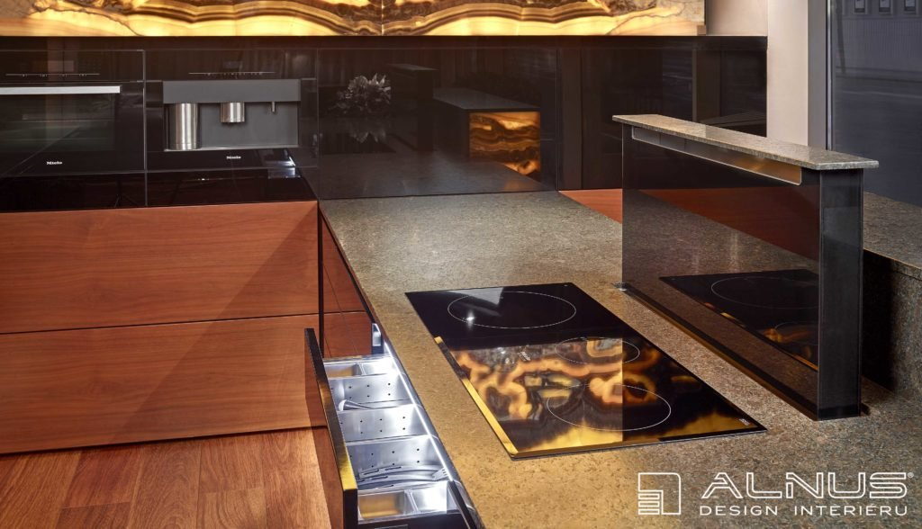 moderní kuchyně s výsuvnou digestoří