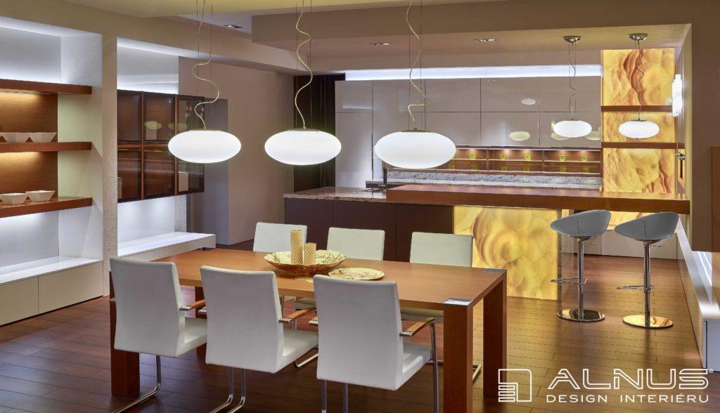 moderní kuchyně s ostrůvkem barem a jídelnou