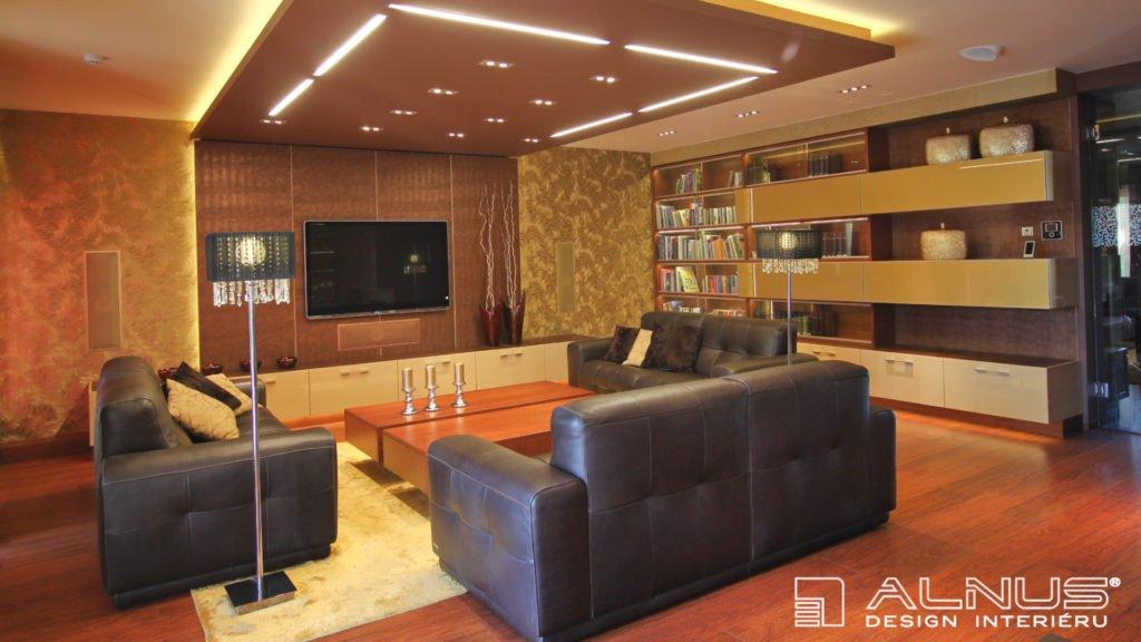 design obývacího pokoje s vestavnými reproduktory