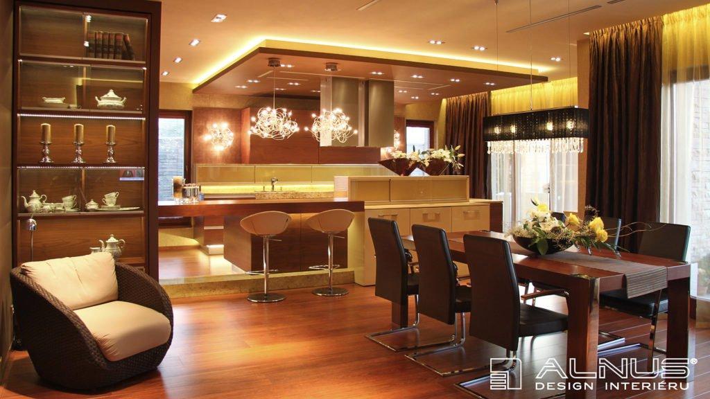 luxusní kuchyně s jídelnou a podhledy v kuchyni