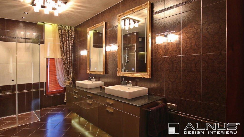 koupelna v luxusním interiéru domu