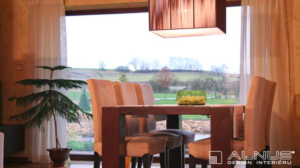 design jídelního stolu interiéru chalupy