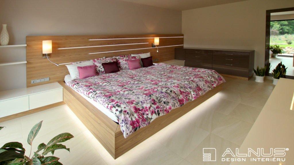 moderní design ložnice v interiéru domu v praze
