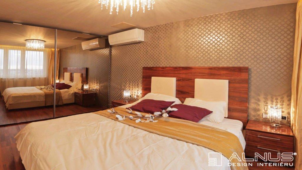 vestavěné skříně se zrcadly luxusní ložnice