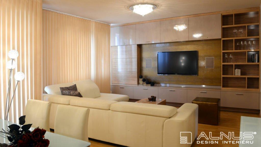 obývací stěna v interiéru obývacího pokoje v malém bytě