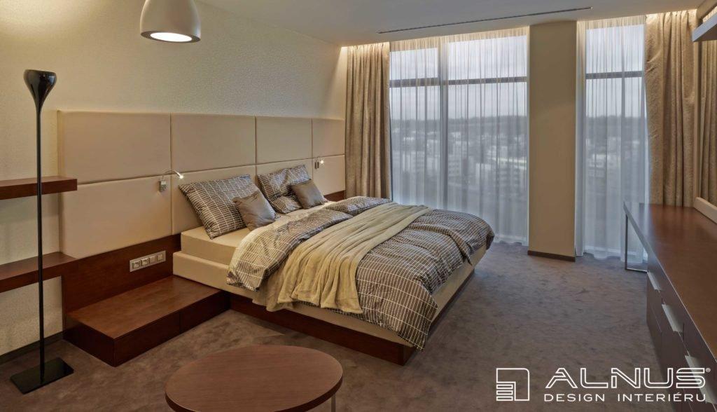 moderní ložnice s koženým čalouněním