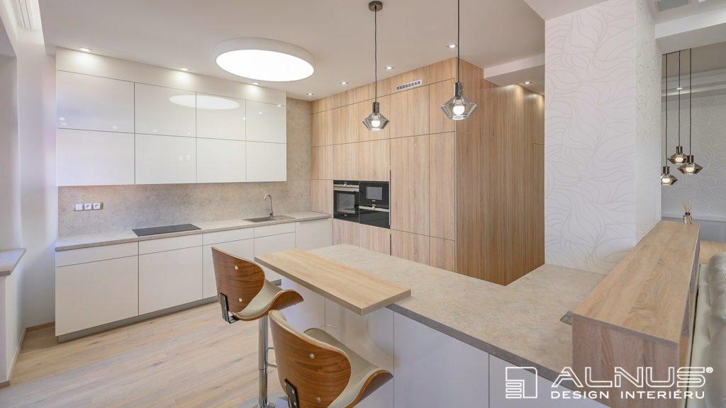 design interiéru kuchyně s pultem