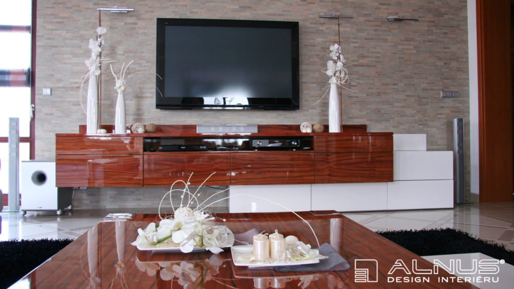 tv stěna luxusního interiéru domu
