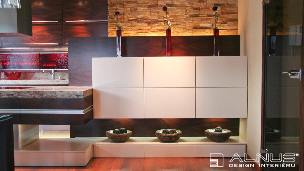 kámen v interiéru moderní kuchyně s ostrůvkem
