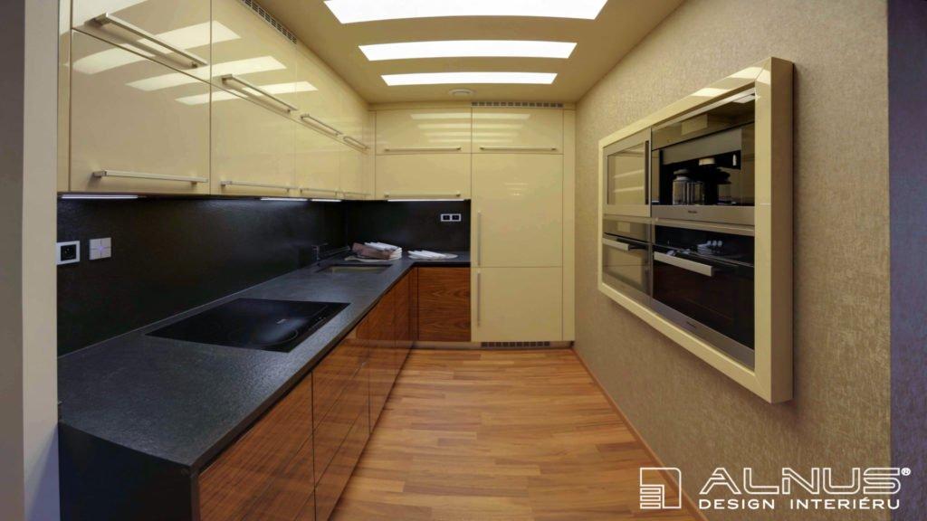moderní kuchyně v malém bytě 2+kk