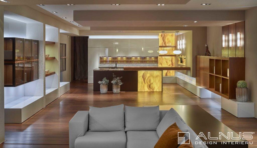 moderní kuchyně s barem a obývacím pokojem