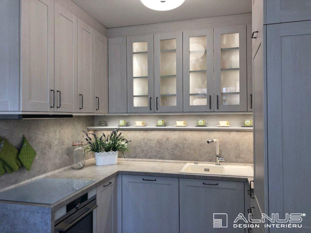 klasická kuchyně v malém bytě