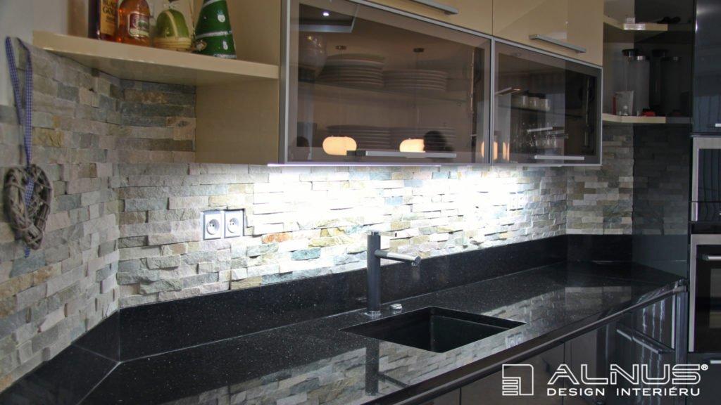 kuchyňská pracovní deska z umělého kamene