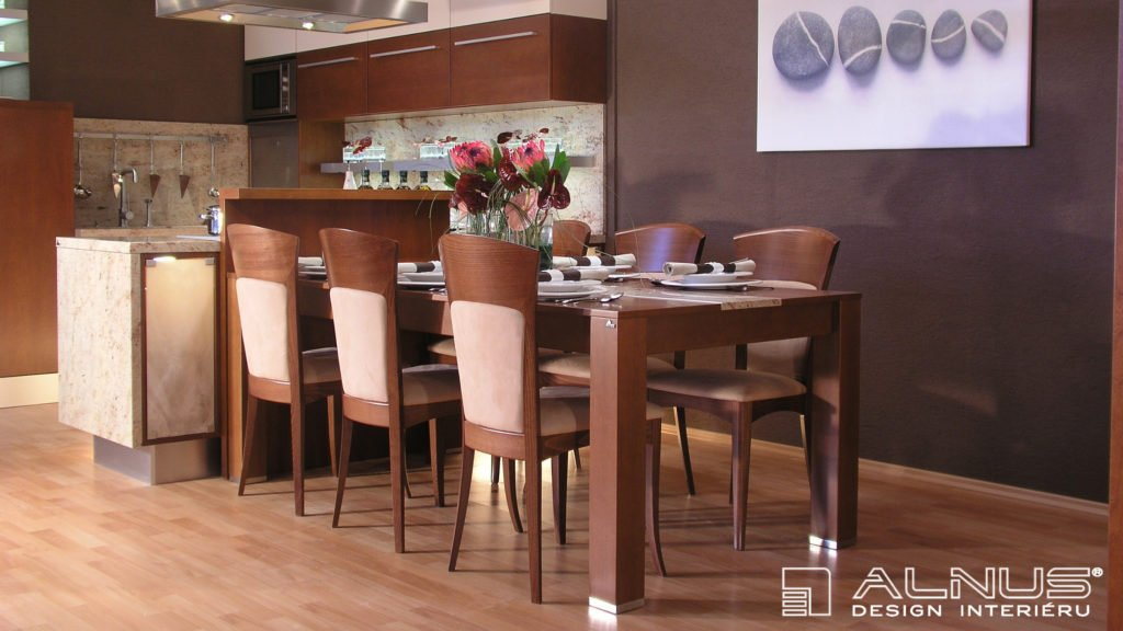 design jídelního stolu v interiéru kuchyně