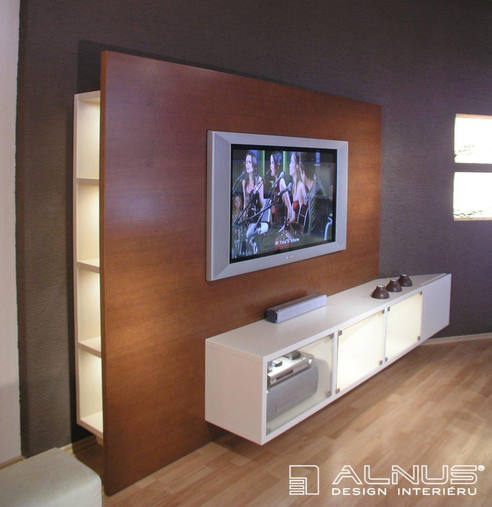detail tv stěny vyrobené na míru