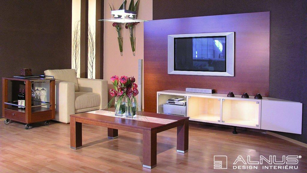 design obývacího pokoje s atypickou TV stěnou vyrobenou na míru